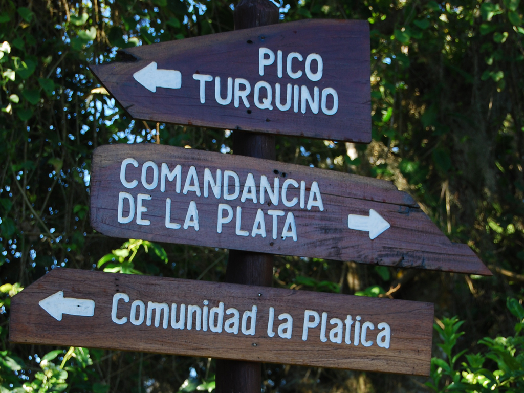 Trail sign to pico turquino