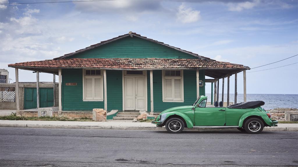 Cuba, car green